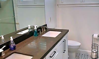Kitchen, 10052 Bismark Dr, 2