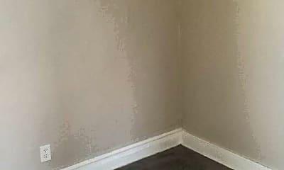 Bedroom, 7201 S Sangamon St, 1