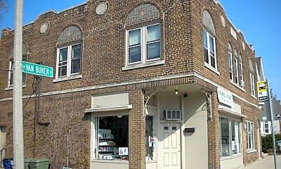 Building, 1603 N Van Buren St, 1