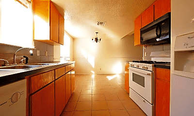 Kitchen, 1101 Royal Crest Dr, 2