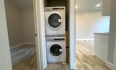 Bathroom, 439 Hoboken Ave, 2