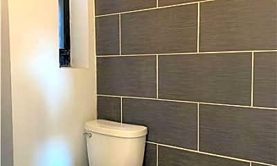Bathroom, 3016 Clarendon Rd, 2