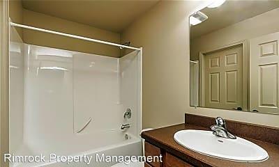 Bathroom, 1534 Glacier Peak Cir, 2
