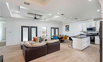 Living Room, 5304 N 45th St, 1