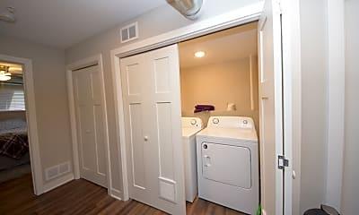 Bathroom, 2921 29th Ave S # 4, 0