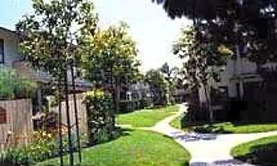 Pasadena Village, 2