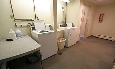 Bathroom, 904 E Center St, 2