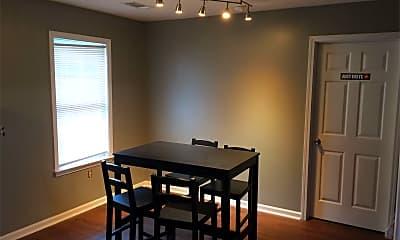 Dining Room, 2202 Gretels Hunt, 2