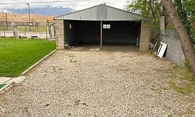 Building, 7885 Oak St, 2