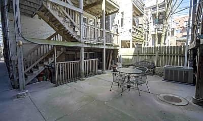 Patio / Deck, 1651 N Claremont Ave GDN, 2
