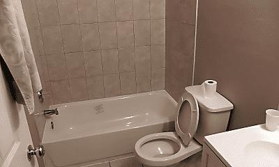 Bathroom, 2825 N Broad St, 1