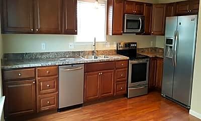 Kitchen, 844 Roundhill Court, 1