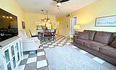 Living Room, 1560 McKinley St 112W, 1