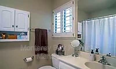 Bathroom, 612 Pheasant Ridge Rd, 2