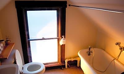 Bathroom, 1641 Fairchild Ave, 2