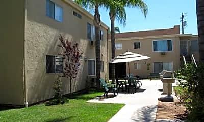 Plaza Verde Apartments, 1