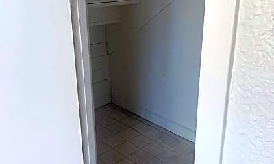 Bathroom, 934 Clark St, 1