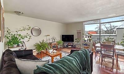 Living Room, 316 E Madison St, 0