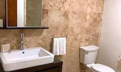 Bathroom, 140 Pitman St, 2
