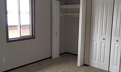Bedroom, 150 S Fisk St, 2