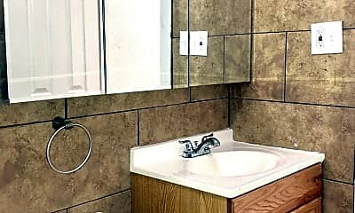 Bathroom, 5001 Tholozan Ave, 1