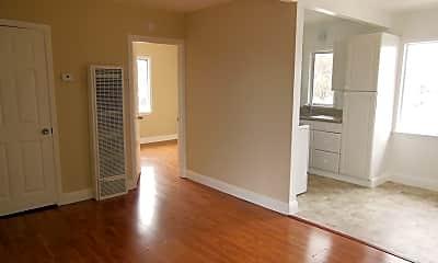 Living Room, 407 Chestnut St, 2