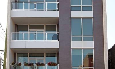 Building, 2015 W Armitage Ave 4, 0