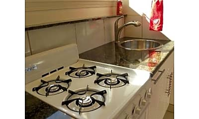 Kitchen, 2239 N Beachwood Dr, 2