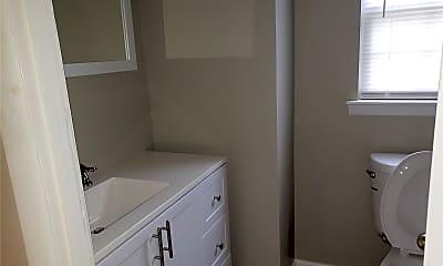 Bathroom, 12 Pine St, 2