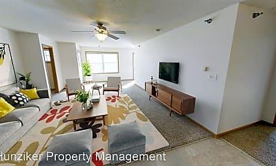 Living Room, 4215 Maricopa Dr, 1