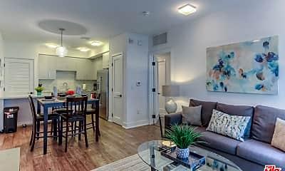 Living Room, 1168 S Barrington Ave 305, 0