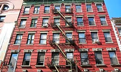 Building, 165 Mulberry St, 2