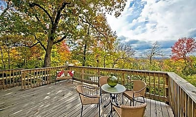 Patio / Deck, 525 N Assembly Dr, 1
