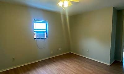 Bedroom, 523 E Pacific St, 2