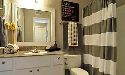 Bathroom, The Oaks of Westchase, 2