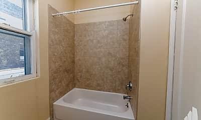 Bathroom, 1911 W Chicago Ave, 1