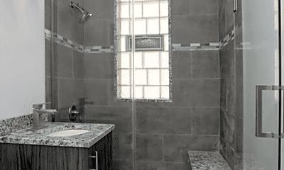Bathroom, 5126 S Dorchester Ave, 1