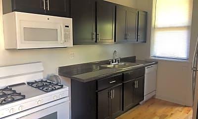 Kitchen, 4886 N Magnolia Ave, 1