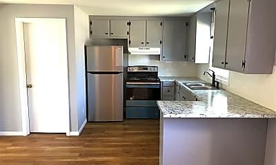 Kitchen, 1044 Columbus Cir N, 0