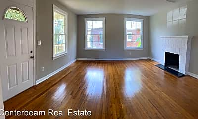 Living Room, 4631 Attleboro St, 1