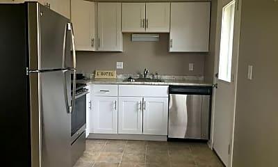 Kitchen, 921 Magnolia Ln, 1