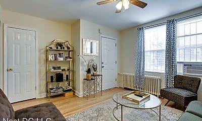 Living Room, 928 19th St NE, 0