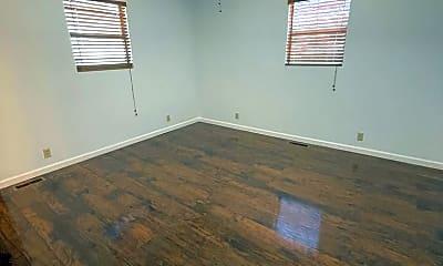 Bedroom, 526 E El Paso St, 2