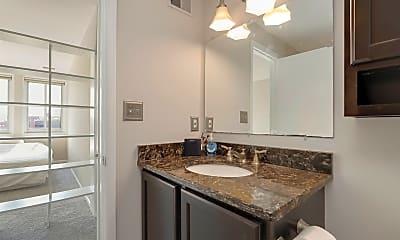 Bathroom, 123 W Barre St, 2