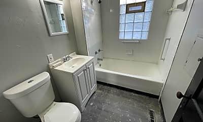 Bathroom, 3549 E 147th St, 2