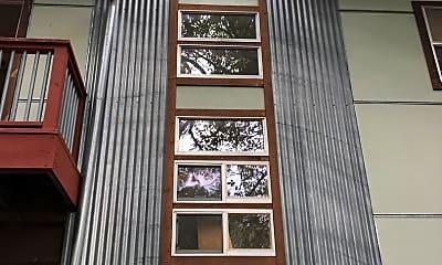 Building, 707 E 47th St, 2