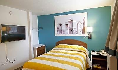 Model, InTown Suites - Mills Road (MIL), 2