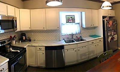 Kitchen, 412 Wayne St, 1