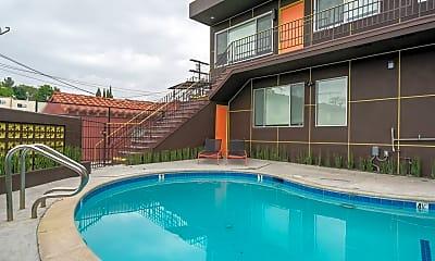 Pool, 646 N La Fayette Park Pl, 1