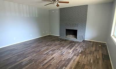 Living Room, 475 W Lacey Ave, 1
